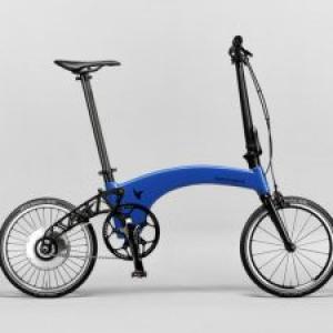 折りたたみ式の軽量自転車Hummingbirdに電動アシスト版登場! 重さは10.3キロ