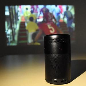 大画面でスポーツ観戦したいのだ! Ankerのモバイルプロジェクター『Nebula Capsule』で『DAZN』を見る方法