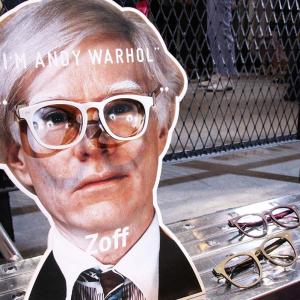 誰でもアンディ・ウォーホル気分に! 『Zoff』からコラボデザインの新作シリーズが登場 展示会へ行ってみた