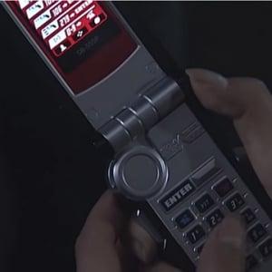 「ロマンなんだよ!」と力説多数!? 『仮面ライダー555』ファイズフォンに子ども「なんで画面とボタンが別なの?」