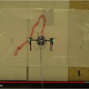 立体物の表面に自在にペイントできるディズニーのお絵描きドローン『ペイントコプター(PaintCopter)』 開発目的はアトラクションではなくメンテナンスでした