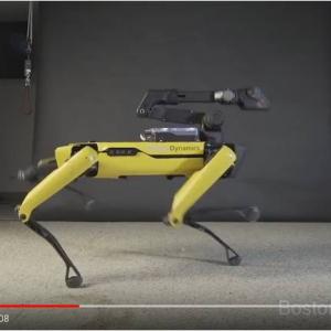 急に愛想振りまいてきやがった! それでもキモさが残るボストン・ダイナミクスのロボット犬『スポット(Spot)』