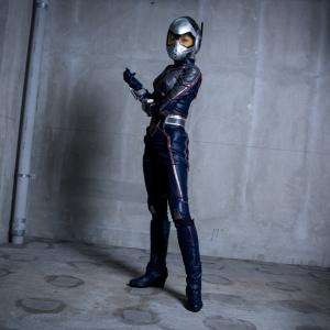 『アントマン&ワスプ』の強く美しいヒーロー! 「ワスプ」スーツをクールに着こなす美女コスプレイヤー
