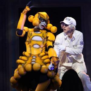 アクション満載!舞台『はたらく細胞』は免疫細胞VS病原体の戦いを描くヒーローショー!11月29日よりアンコール配信実施
