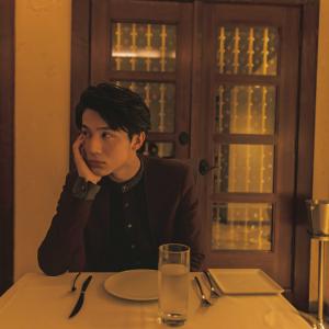 """中川大志 二十歳の写真集『maka hou』""""王子""""感満載な新カット公開!PARCOで写真展も決定"""
