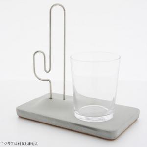グラスの水滴を吸収するカップホルダー付きデザインコースター『Thirst for water』