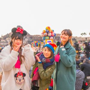 ゲームブースに参加型のショーが楽しい! 大人も全力ではしゃげる東京ディズニーシーの『ピクサー・プレイタイム』
