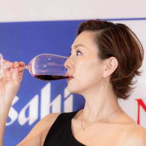 「思い出は白ワインとバケツ一杯の生牡蠣」米倉涼子さんが2019年アサヒワインアンバサダーに就任 オーガニックワインや酸化防止剤無添加ワインをテイスティング