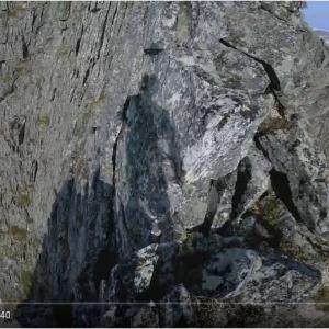 高所恐怖症の人は閲覧注意 足場が狭い山の尾根を駆け抜ける『GoPro』で撮影したPOV映像