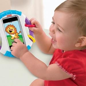 赤ちゃんに思いっきり『iPhone』で遊んでもらえる! フィッシャープライスの『赤ちゃん専用iケース』