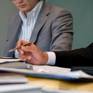パワハラでモチベ低下が顕著!? 連合1000人調査で「職場でハラスメントを受けた」は約38%