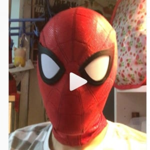 香港のコスプレイヤーが自作したスパイダーマスクが異次元