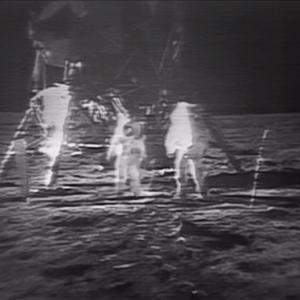 サザビーズ「アポロ11号の幻のビデオテープ2億円で売ります!」 天文ファン「それもうネットで無料公開されとるで」
