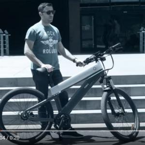 バッテリー満タンで200キロの距離を走れるeバイク「FUELL Fluid」