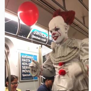 ペニーワイズとは地下鉄とかで絶対会いたくない