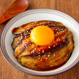 茄子レシピ「茄子の焼肉丼」がネットで話題「茄子1本でごはんが進みすぎる」