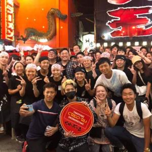 「たこ焼き奢ります」 YouTuberヒカルさんのゲリライベントで大阪・道頓堀に1000人の大行列!