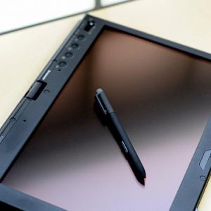 【レノボ】ThinkPad X200 Tablet レビュー