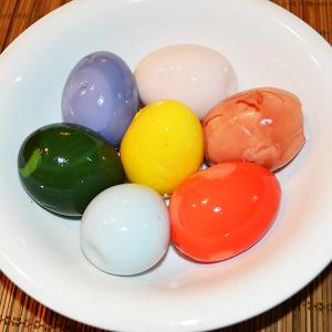 激しくインスタ映え! 7色の味付玉子「味玉レインボー」を作ってみました