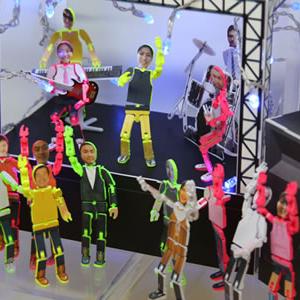 【東京おもちゃショー2009】アバター感覚のペラペラフィギュア!『ペラモデル』