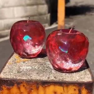 ガラスのリンゴがきらんきらん! 工房のツイート投稿に「かんぜんにジェムリンゴ」感動の声