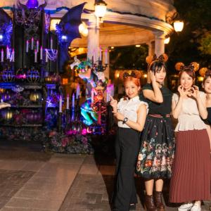 「東京ディズニーシー」港町の祝祭が復活! 妖しく美しいデコレーションにコワ可愛いフードでハロウィーン大満喫