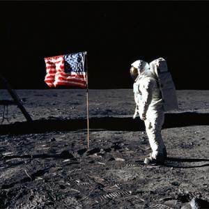 その月は今夜も輝いている【月面着陸40周年】