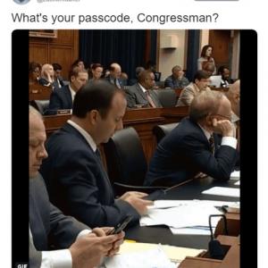 スマホのパスワードがダダ漏れな米下院議員
