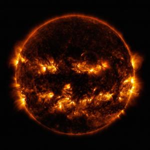 NASAがジャック・オー・ランタンっぽい太陽の画像を公開