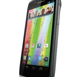 Motorola、Android 4.0搭載「RAZR V」をアジア4カ国で今年Q3に発売