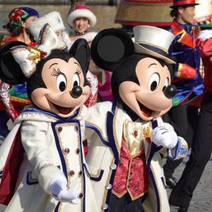 【TDR現地速報】圧巻のラインダンスが帰ってきた!TDS「イッツ・クリスマスタイム!」でホリデー開幕