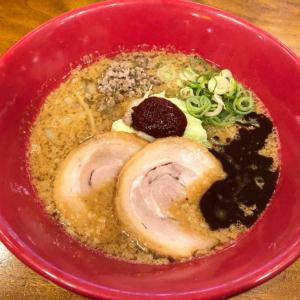 博多一風堂の季節限定1番人気「味噌赤丸」! カカオ香油と山椒ミンチが最高!