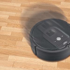 動きまで再現!プルバックで走行・方向転換も ロボット掃除機「Roomba ルンバ」がミニチュア化しガシャポンに