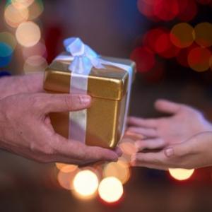 子供へのクリスマスプレゼントはフリマアプリで…!?驚きの調査結果が発表された!!