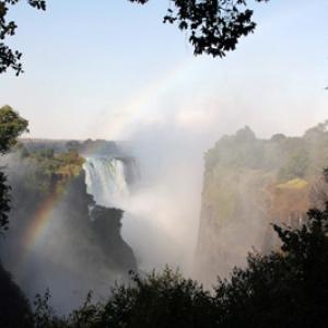 ジンバブエ一周、2500kmの旅。