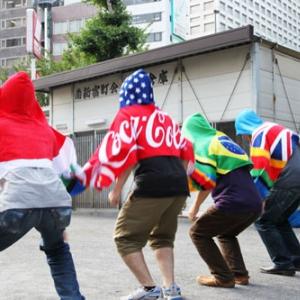 1位はどの国? コカ・コーラのオリンピックキャンペーンで当たる『ビートフードタオル』を着て炎天下でヒンズースクワット世界大会をやってみた