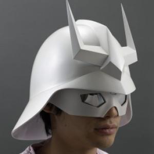 シャア・アズナブルの1/1スケールヘルメット&ギア発売へ