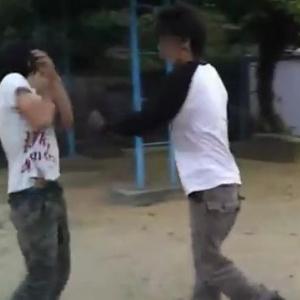 いじめ動画をネットに公開していた少年が別件で逮捕 撮影者「顔面やんなよ」