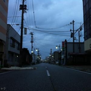 【原発20キロ圏内のリアル】人のいない街に灯りがともる―JR浪江駅(浪江町)