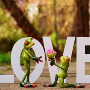 【1月27日は何の日…!?】レッツ婚活!?求婚の日!
