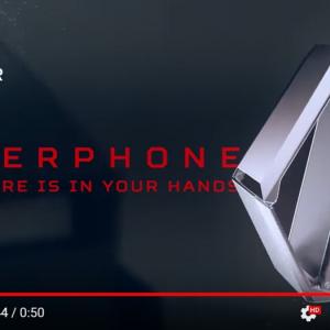 「CYBERPHONE」はサイバートラック風iPhone ロシアのあの会社がまたやっちまった