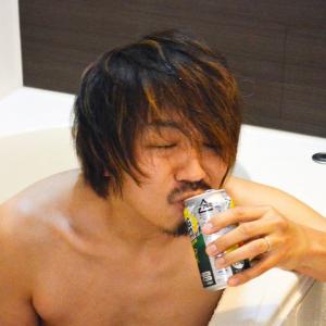 """ストロングゼロを飲みながら風呂に入る""""ストロング風呂""""は絶対にやってはいけない! 死ぬかもしれない!"""
