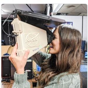 一昔前のVRシステムはNASAでさえこんなんでした 「視力検査みたいだ」