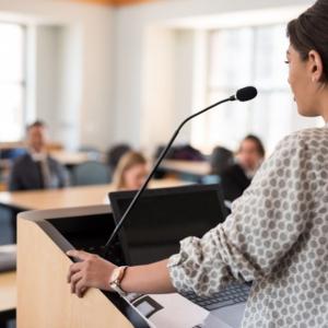 苦手なスピーチも克服! アナウンサーが教える「伝わる話し方」のコツ