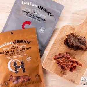 ジャーキーなのに硬くない!ソフトな食感の『フュージョン・ジャーキー ビーフジャーキー オリジナルヒッコリー/クラックドペッパー』が日本初上陸!