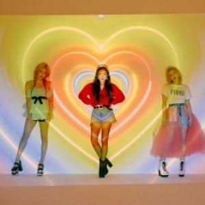 韓国ガールズグループ「Red Velvet」が特別映像を公開!話題の日本アリーナツアーで新たな一面を披露