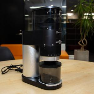 最高のコーヒーを自宅で堪能! 家庭用本格コーヒーグラインダー「CoresコーングラインダーC330」が登場 使ってみた