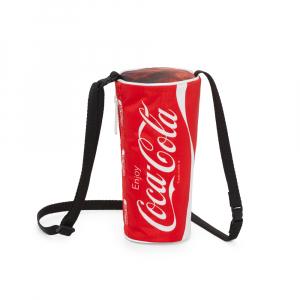 あの真っ赤なカップや缶がそのままバッグに! レスポートサック×コカ・コーラ コラボコレクション