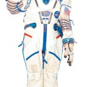 """""""十三変化""""した綾瀬はるかさんが街中をジャック! キュートな宇宙飛行士姿を独占公開"""