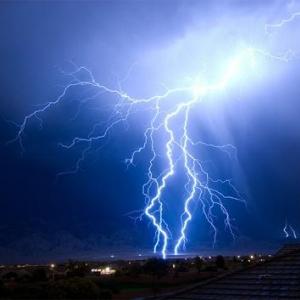 落雷事故で死亡する確率と宝くじで4億円当たる確率 どっちが高い?